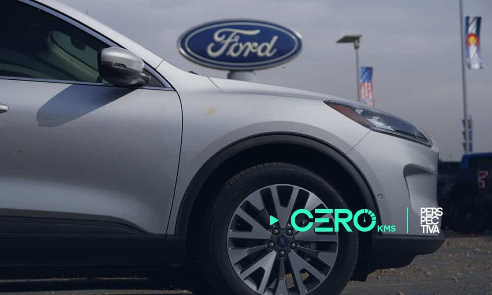 Ford realiza actualización de software de autos por internet