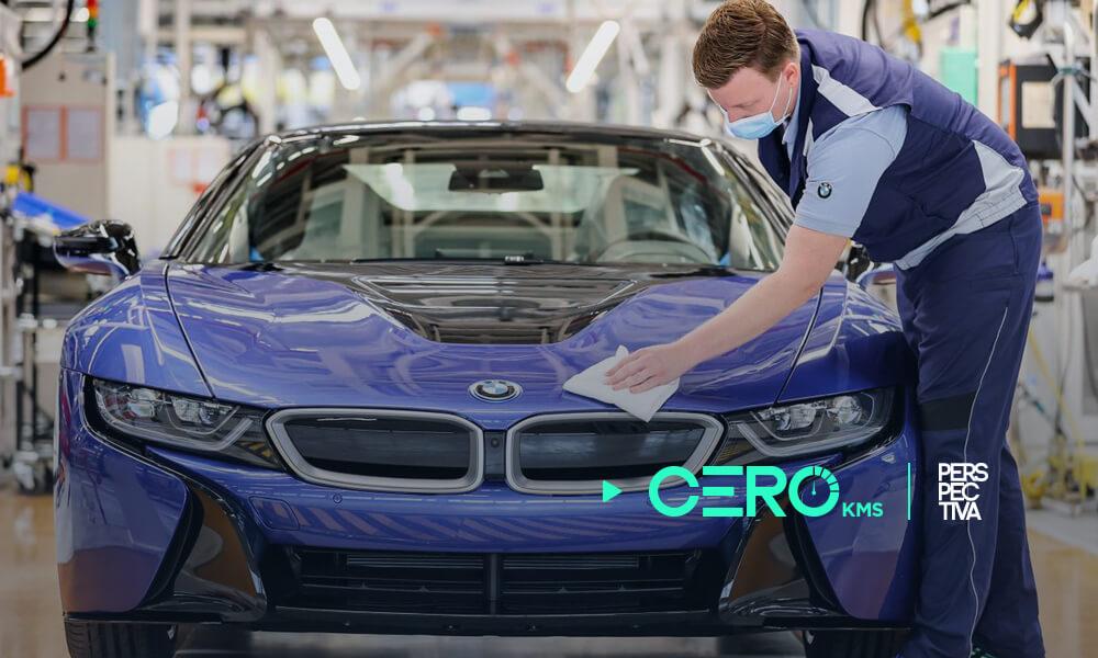 BMW interrumpe su producción por falta de chips en Ratisbona